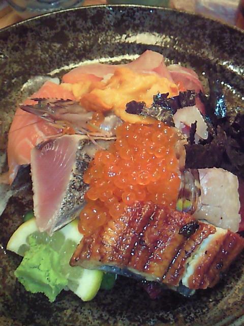 デカネタ海鮮丼